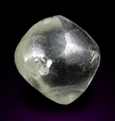 Кристалл алмаза октаэдроид