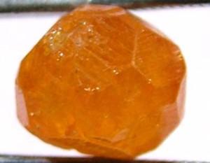 Спессартин кристалл