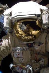 "Скафандр ""Орлан"". Снимок NASA."