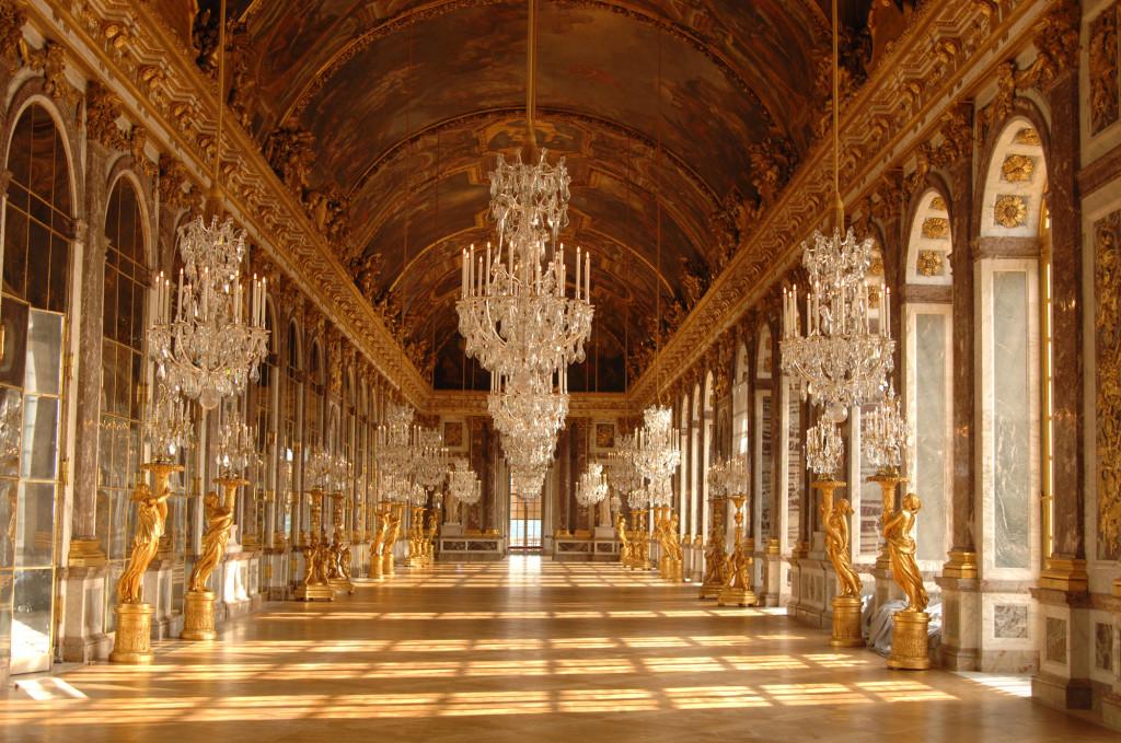 Зеркальная галерея. Версаль. Франция
