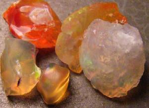 Опал огненный Мексика---www.gemstonesandrough.com