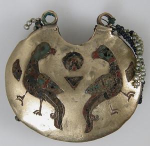 Перегородчатая эмаль на золоте, 11-12 век, Киевская Русь, музей Метрополитан (фото с natasha-n-sova.livejournal.com)