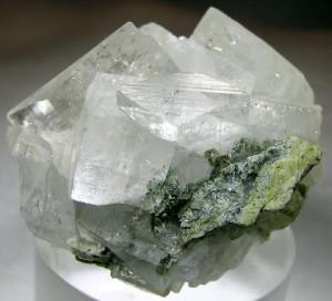 минерал полевой шпат (фото: zagadkizemli.ru)