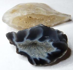 минерал халцедон (фото: mineralog.livejournal.com)
