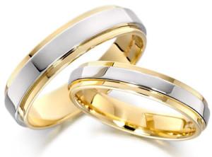 Обручальное кольцо из золота двух цветов