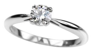 помолвочное кольцо с бриллиантом