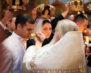 венчание (фото с сайта pravmir.ru)