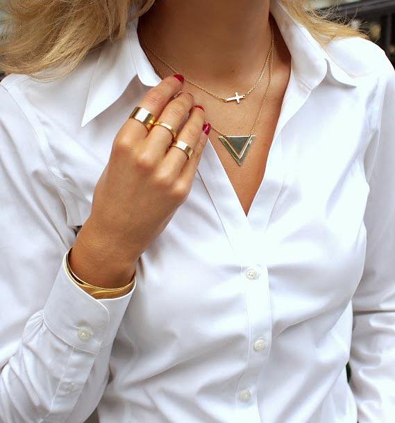 Сколько можно носить браслетов на одной руке