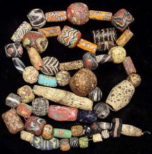 Мозаичные стекланные бусы древнеримского периода-3в. днэ - фото edgarlowen.com