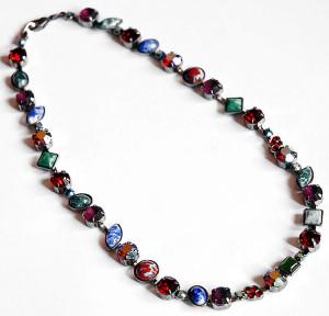 Ожерелье из слеклянных камней Яблонекс