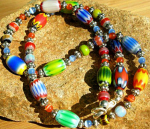 A-bright,-bold-necklace-using-several-different-colors-of-chevron-beads---artfire.com