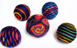 Валяные-бусины-фото-wool-bulb.com