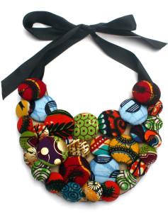 Колье-пластрон из текстильных пуговиц - фото market.myasho.com