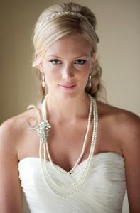 Удлиненное колье-бусы на невесте - 4.bp.blogspot.com
