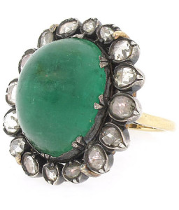 Кольцо эпохи романтизма с крупным изумрудом и бриллиантами - beladora.com