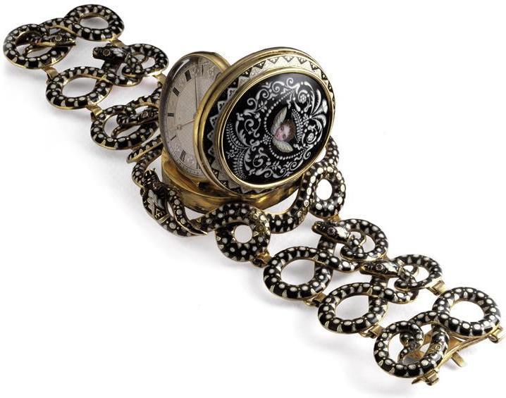Самые первые наручные часы в мире серебряные часы наручные купить в спб