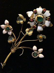 Брошь в виде цветка 17 век - Венгерский национальный музей