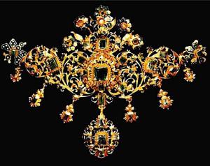 Колье-эпохи-барокк---ок.1670-золото-и-изумруды--эмаль-Victoria-and-Albert-Museum-London---viola.bz