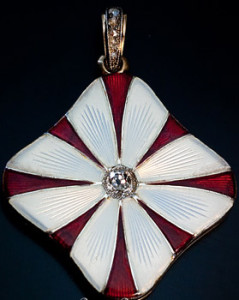 Карл Фаберже - медальон в стиле ар нуво с эмалью --Петербург-1908-1917---romanovrussia.com
