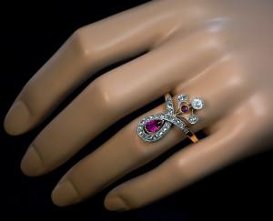Кольцо с бриллиантами и рубином ар нуво - romanovrussia.com