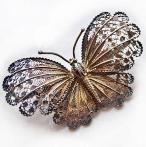 Ажурная брошь-бабочка---ic.pics.livejournal.com