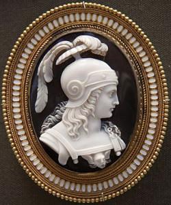 Камея-брошь-из-оникса---воин-в-шлеме---1860--сайт-Британского-музея