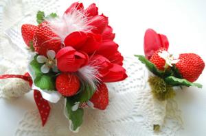 Бутоньерка и свадебный букет в одном стиле ---etsy.com