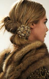 Брошь для волос Oscar-de-Renta---vogue.ua