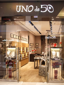 UnoDe50 открытие первого магазина в Москве