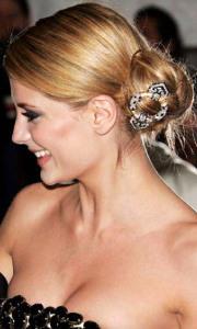 Винтажная-брошь-для-волос-на-пучке---belldorafashions.com
