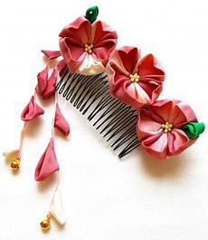 Гребень декорированный цветами - polyvore.com