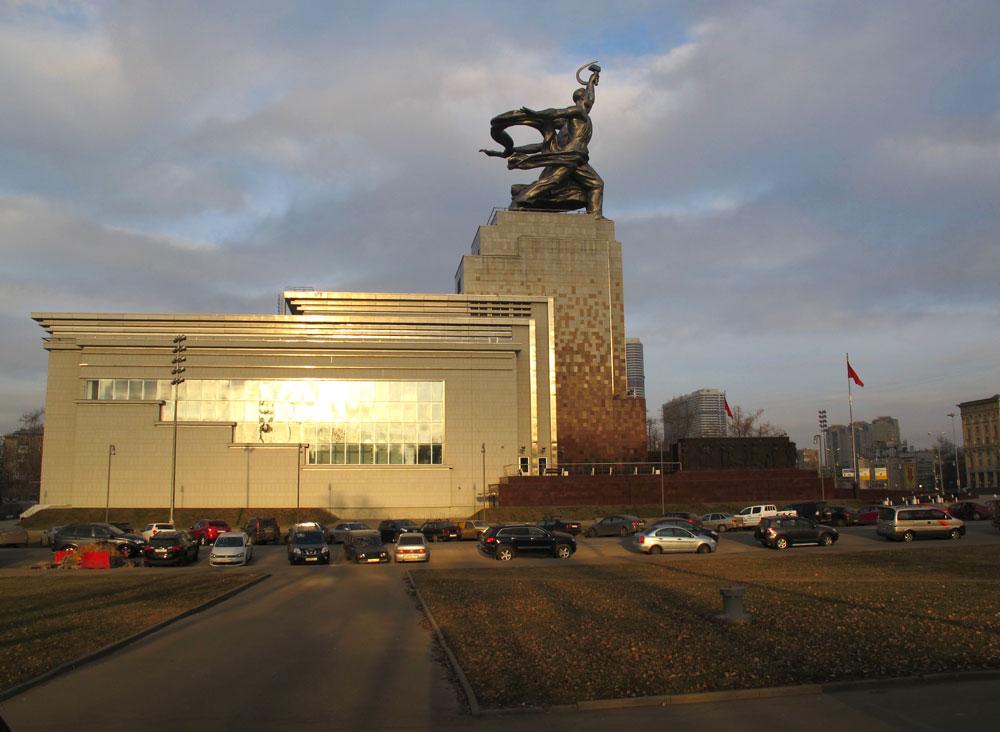 """Выставочный комплекс """"Рабочий и колхозница"""", фото: ЮВЕЛИРУМ"""