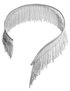 Колье-чокер из серебряной бахромы, ручное плетение, $1,670; Simon Alcantara