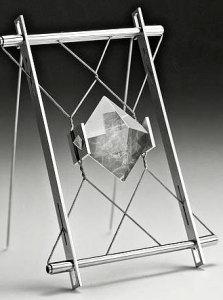 Брошь с элементами конструктивизма - Дэниель Шике - schmuck-kunst.ch