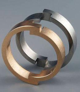 Даниэль Шике - кольцо с элементами конструктивизма---schmuck-kunst.ch