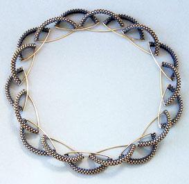 Ханна-Бехренс---абстрактные-украшения---mobilia-gallery.com