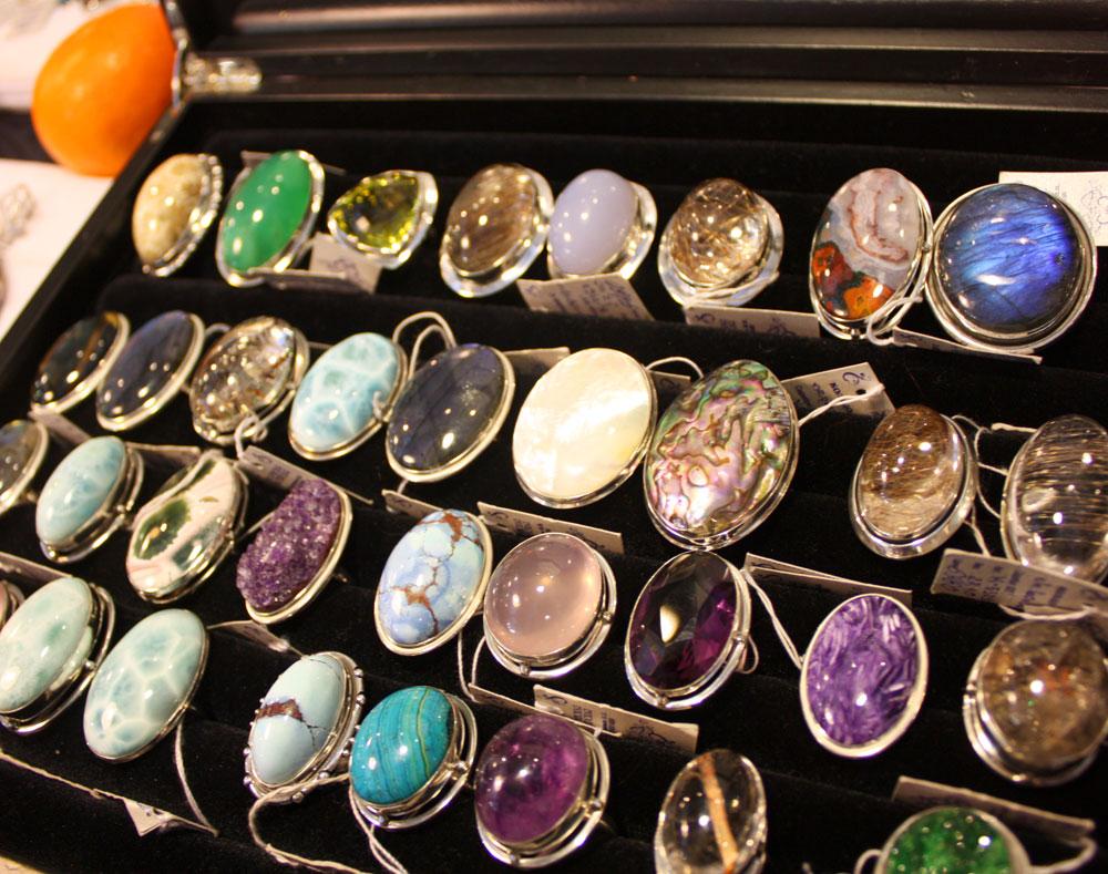 Выставки продажи украшений из натуральных камней