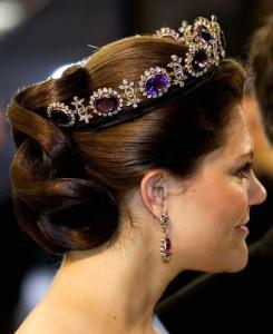 диадема-корона с драгоценными камнями - etsy.com