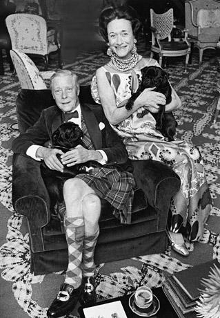 Уоллис Симпсон с герцогом Виндзорским, в KJL колье---thegreatwideopen.ne