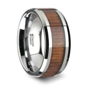 Вольфрамовое кольцо со вставкой из дерева