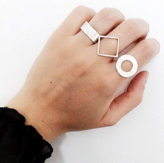 Кольца бренда Чулан-чемодан, фото со страницы вконтакте