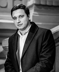 Артур Салякаев