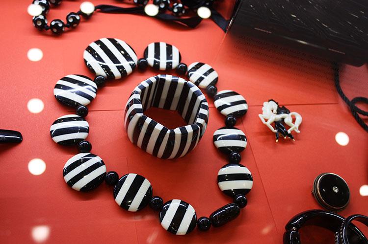 черно-белый бакелит