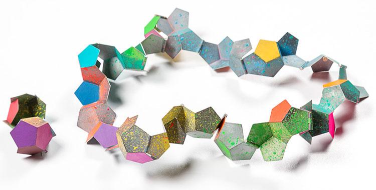 Ferran Iglesias Baron. Испания. Колье и броши из коллекции «Оригами».