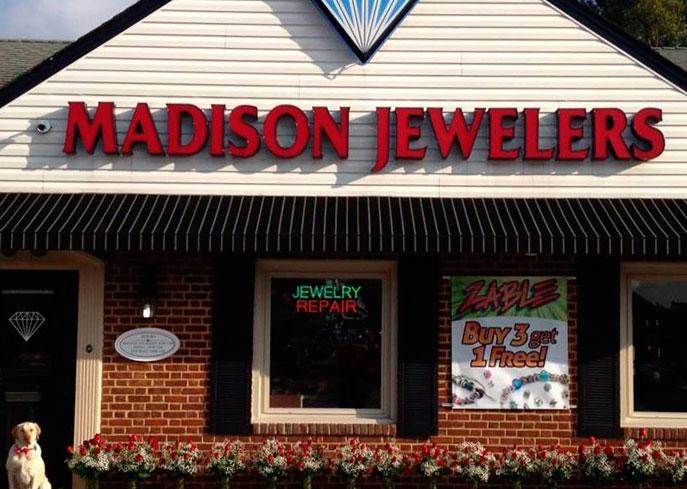 Фото: jewelrystoresamerica.com