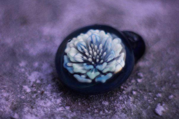 Подвеска из боросиликатного стекла в технике implosion в виде цветка, 78 Jewelry