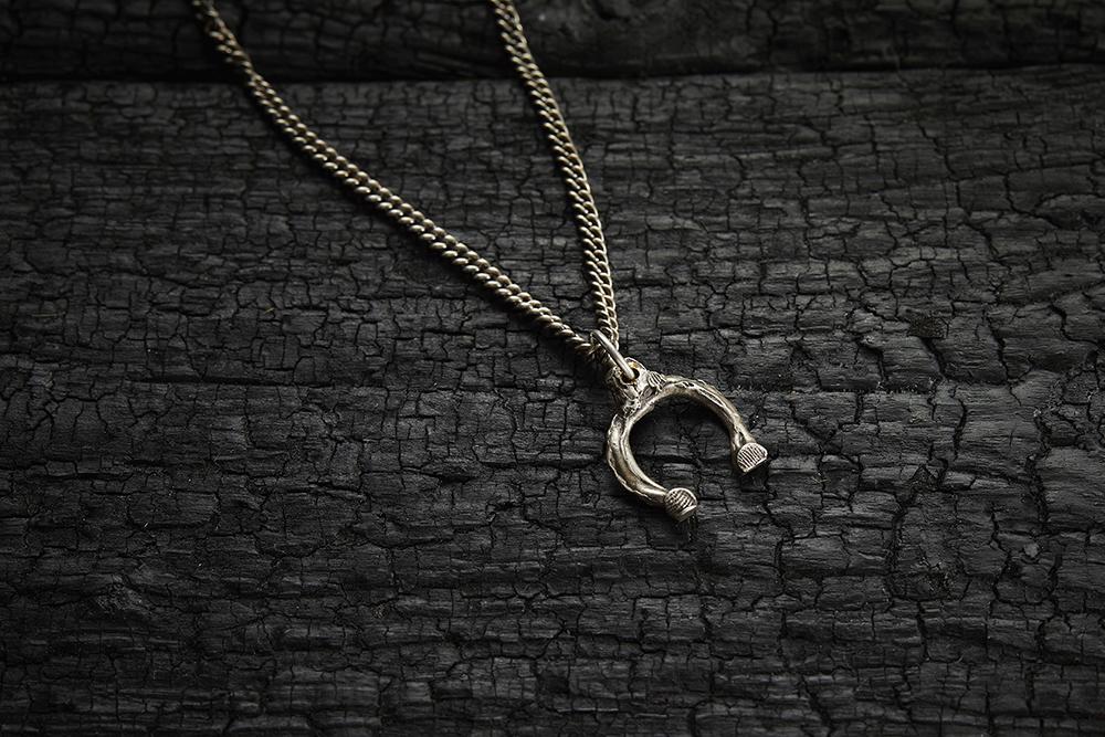 HORSE SHOE NECKLACE из коллекции GRIM, автор Марго Дубовик