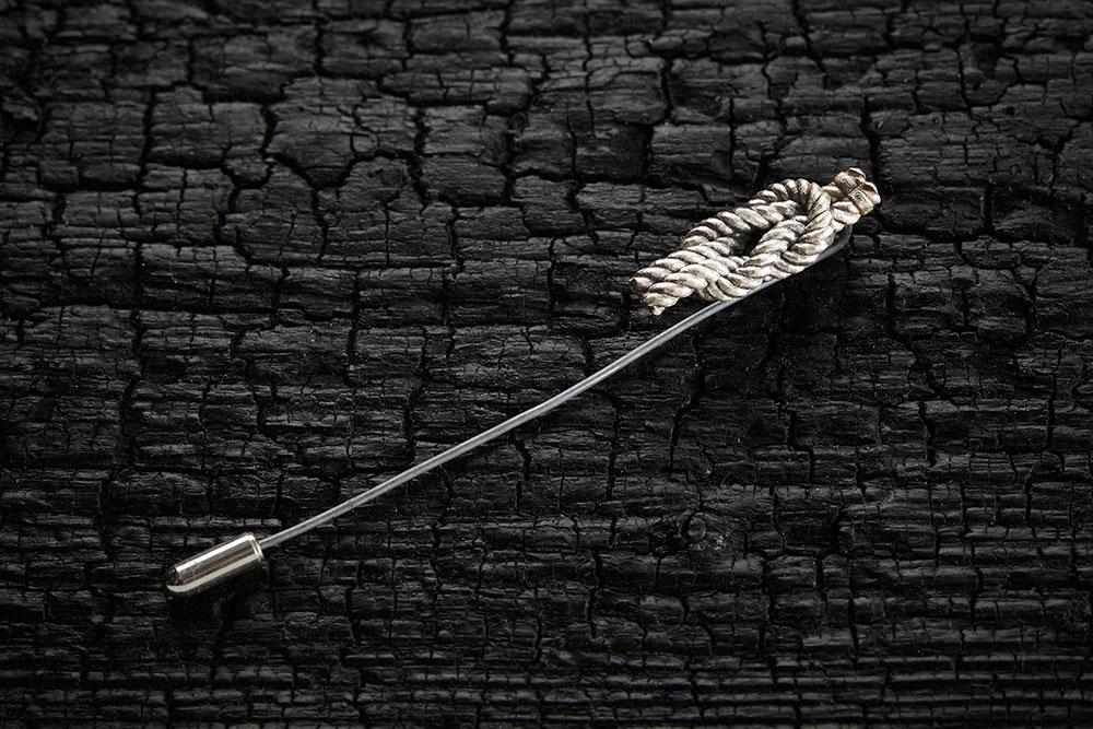 REEF KNOT PIN из коллекции GRIM, автор Марго Дубовик