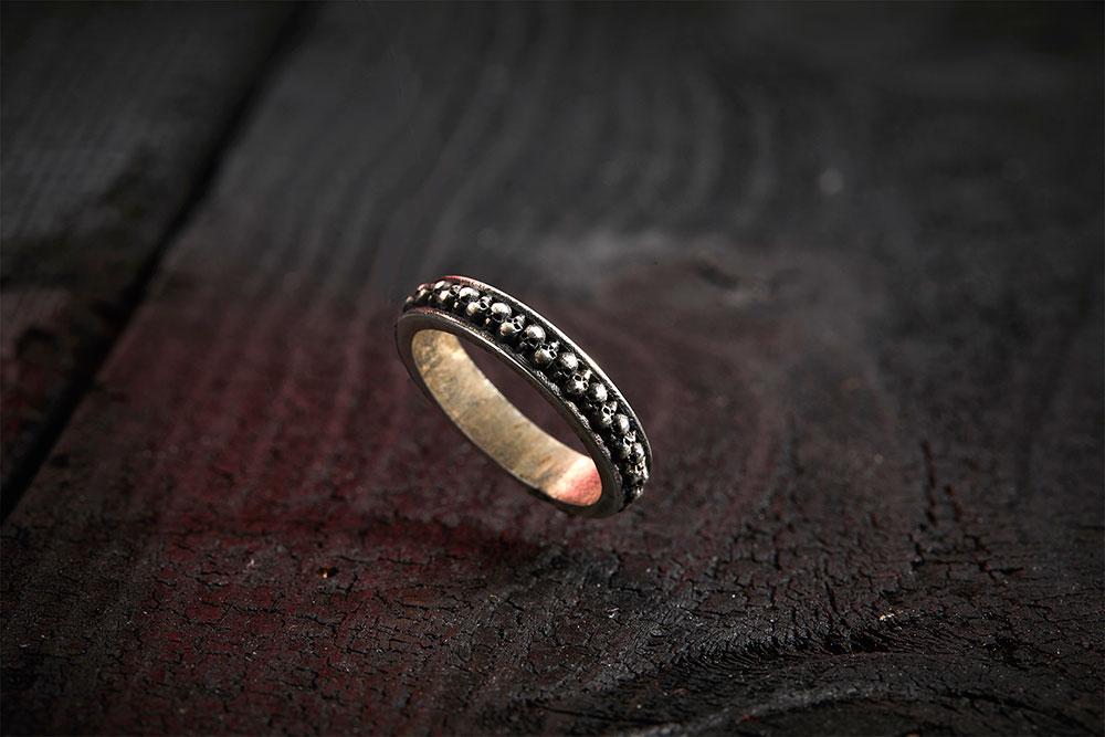 SCULLS RING из коллекции GRIM, автор Марго Дубовик