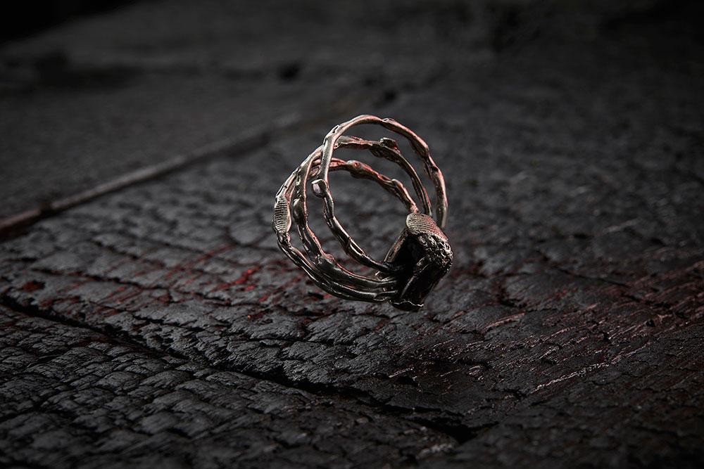 THORAX RING из коллекции GRIM, автор Марго Дубовик